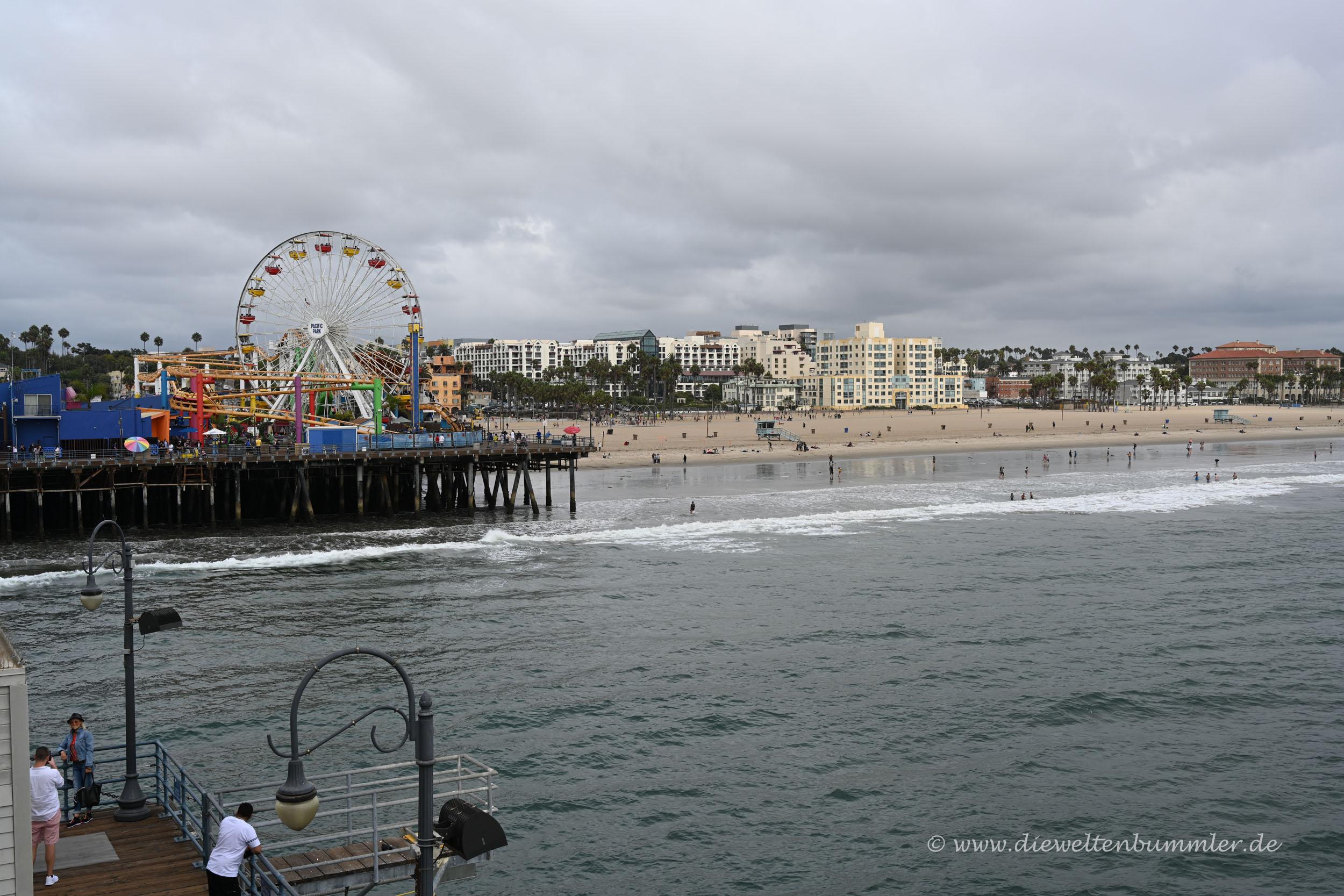 Blick vom Pier zum Strand