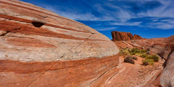 Felsen mit markanter Farbe