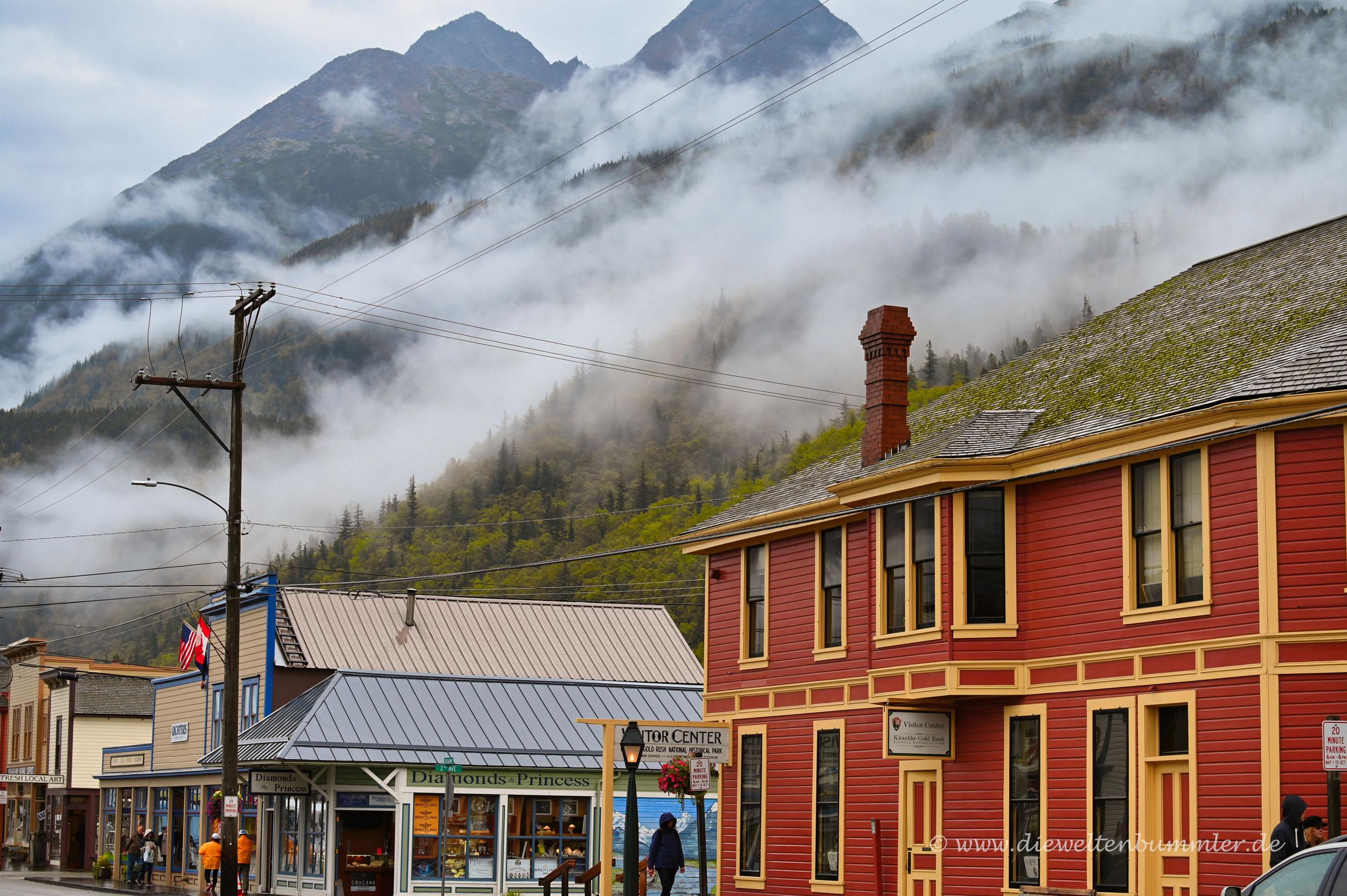 Im Hintergrund die Berge von Alaska