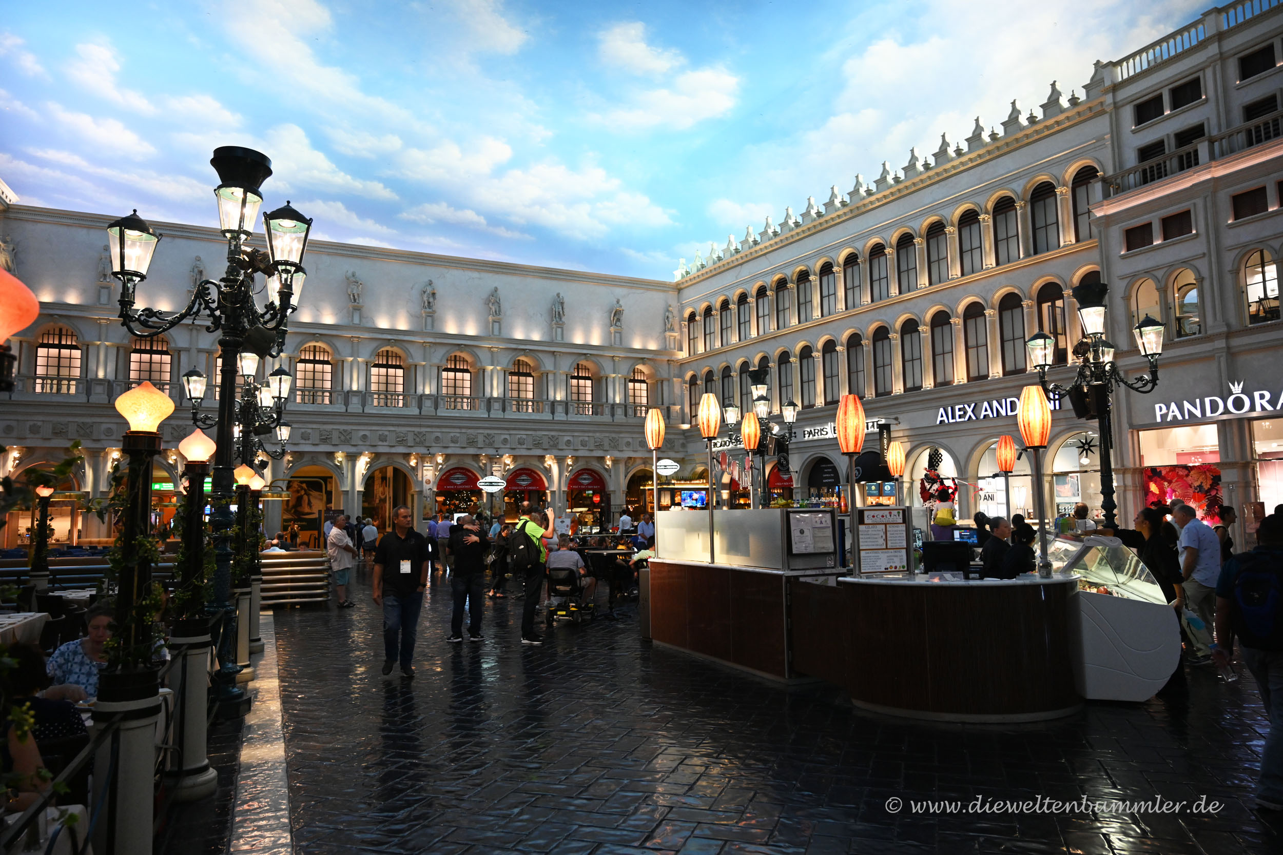 Piazza im Venetian Hotel