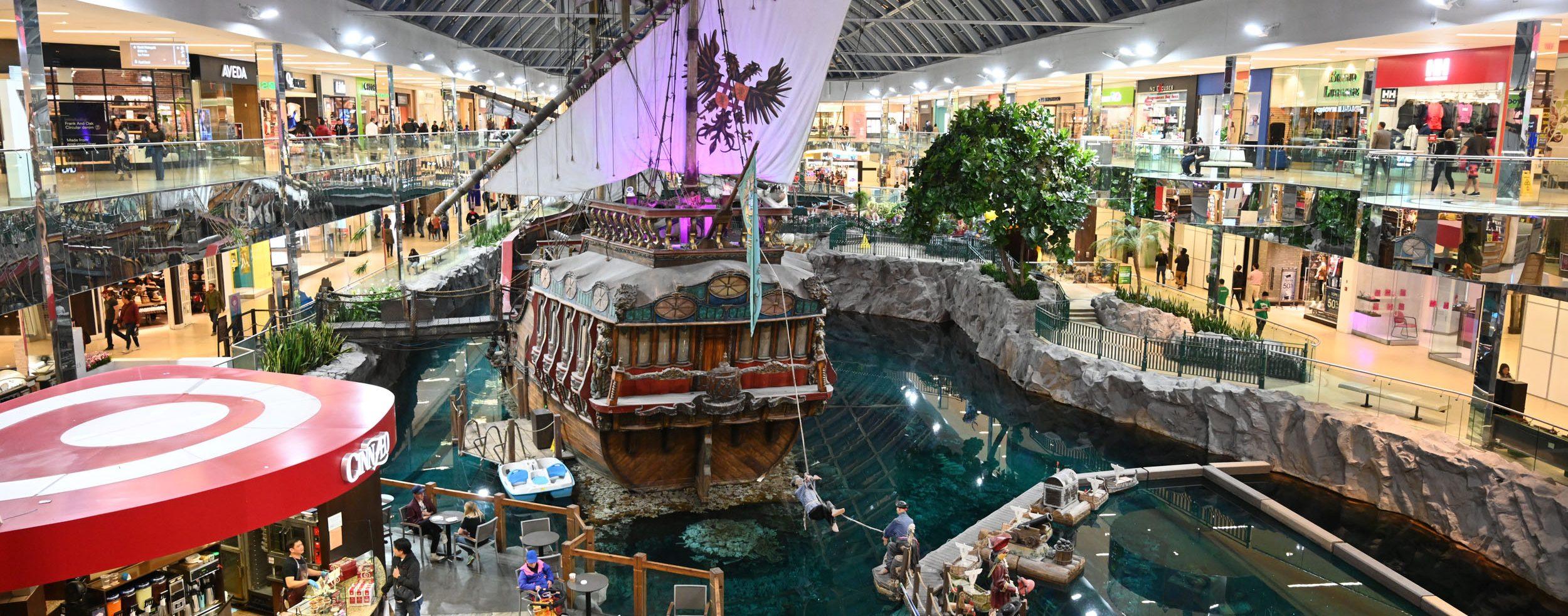 Piratenschiff im Einkaufszentrum
