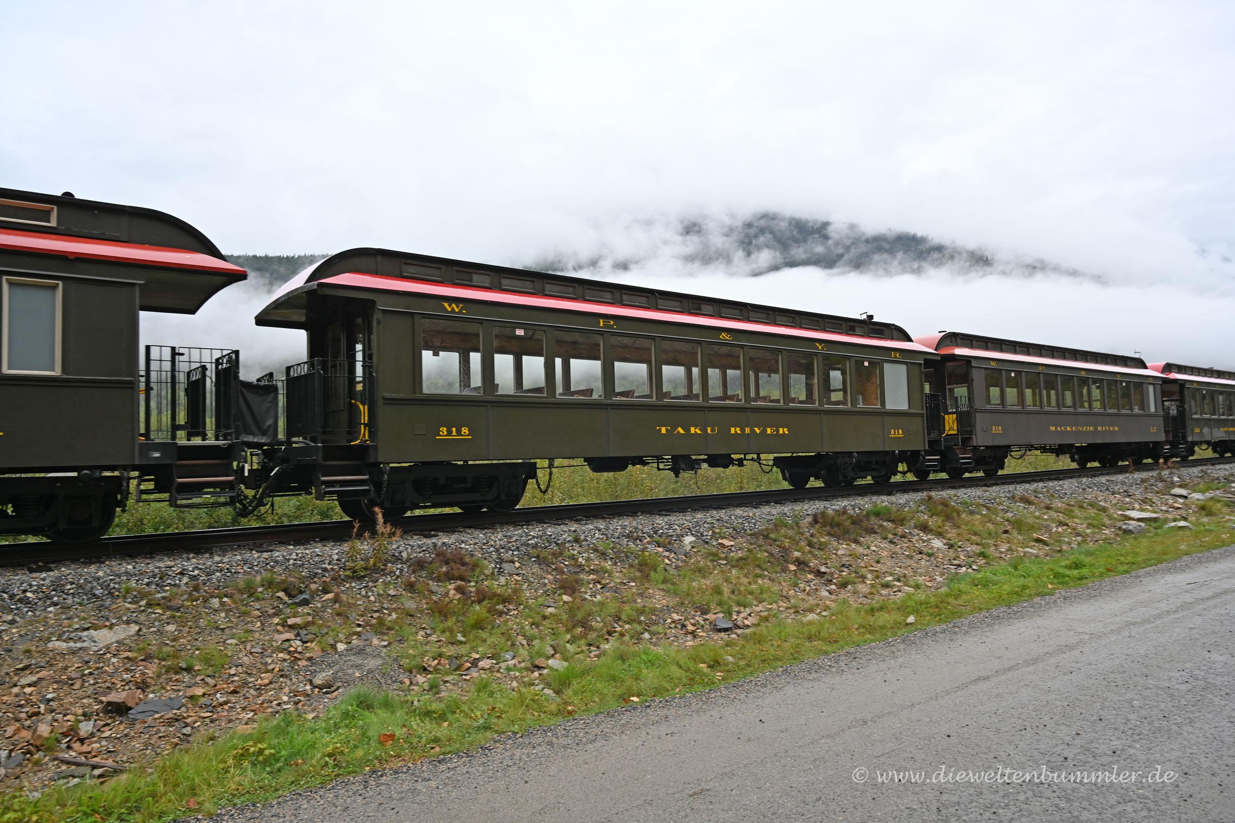 Waggons vom White Pass Rail