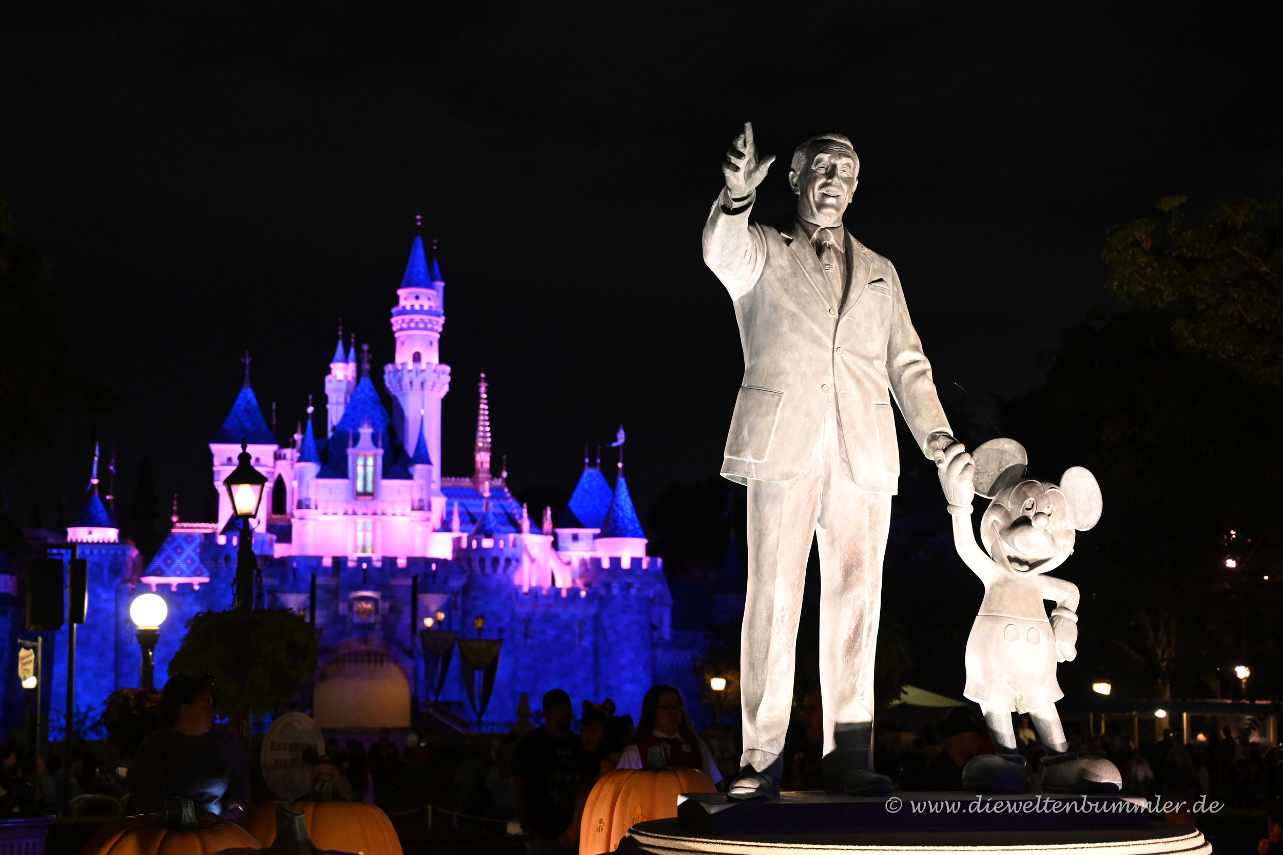 Walt Disney mit Micky Maus