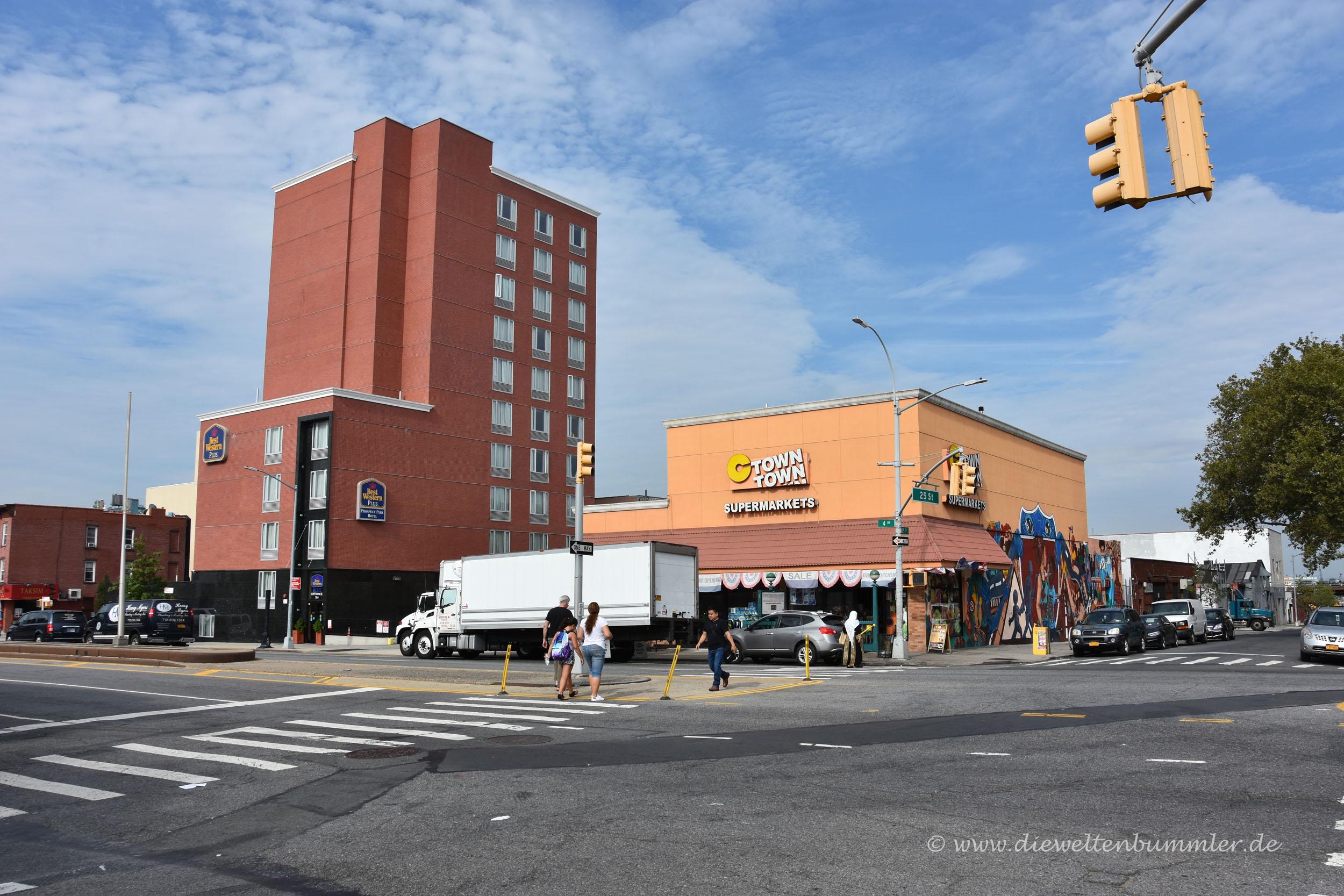 Supermarkt neben dem Brooklyn Way Hotel