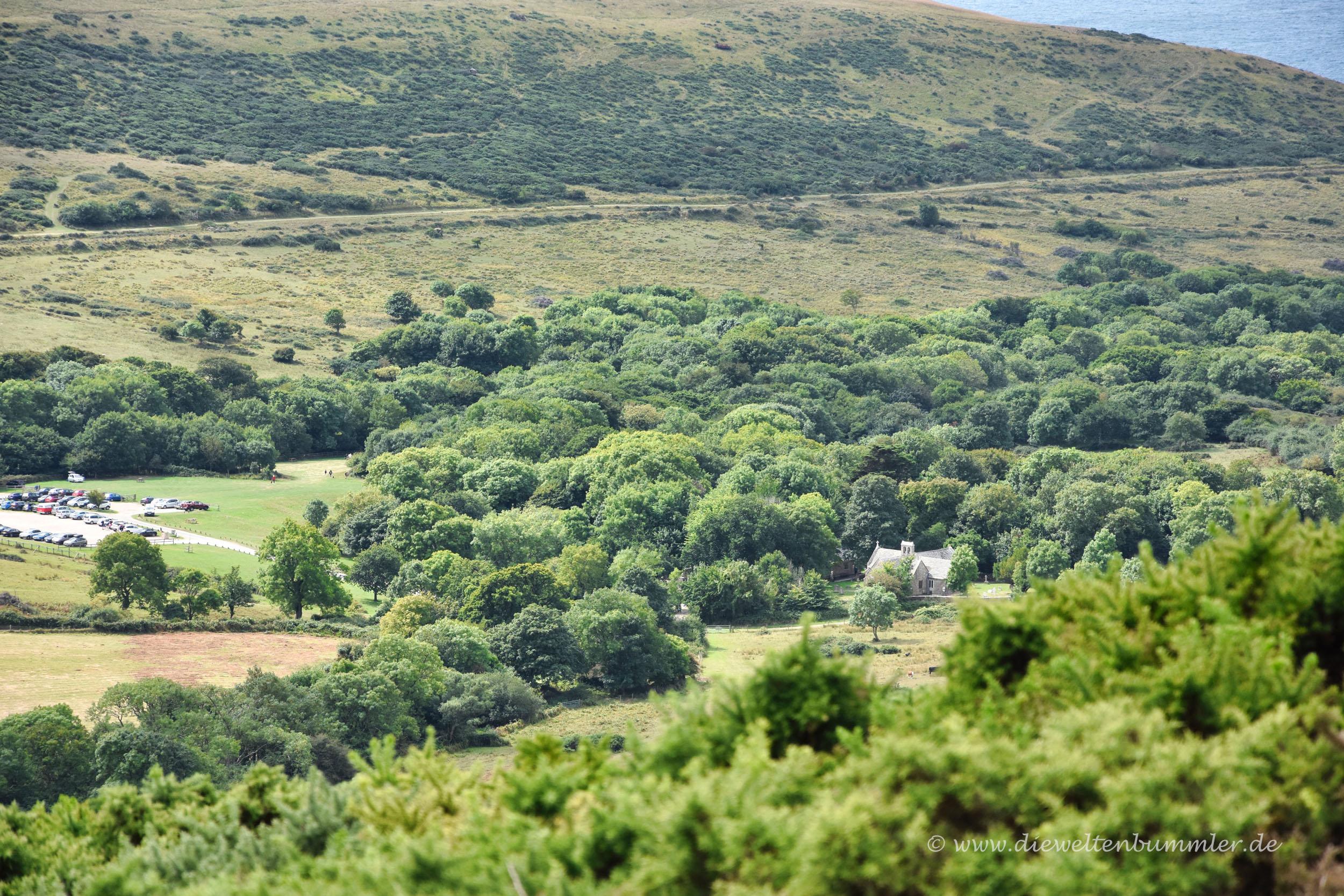 In dem Tal liegt das Geisterdorf