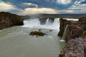 Prachtvoller Wasserfall