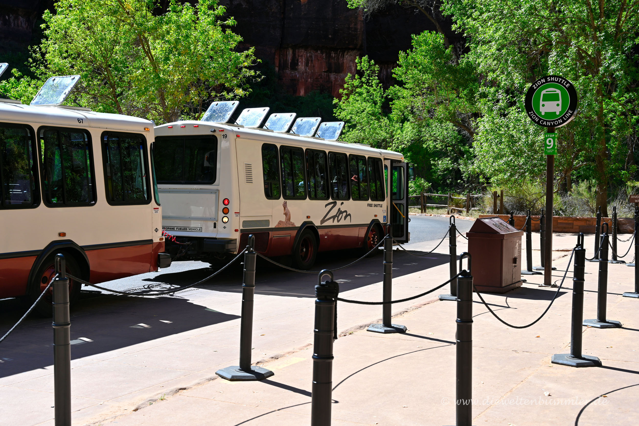 Shuttle-Busse im Park