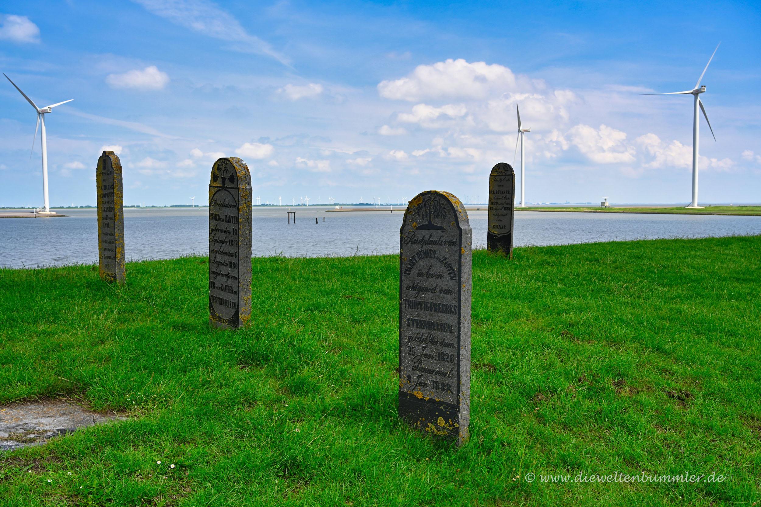 Alter Friedhof auf dem Deich