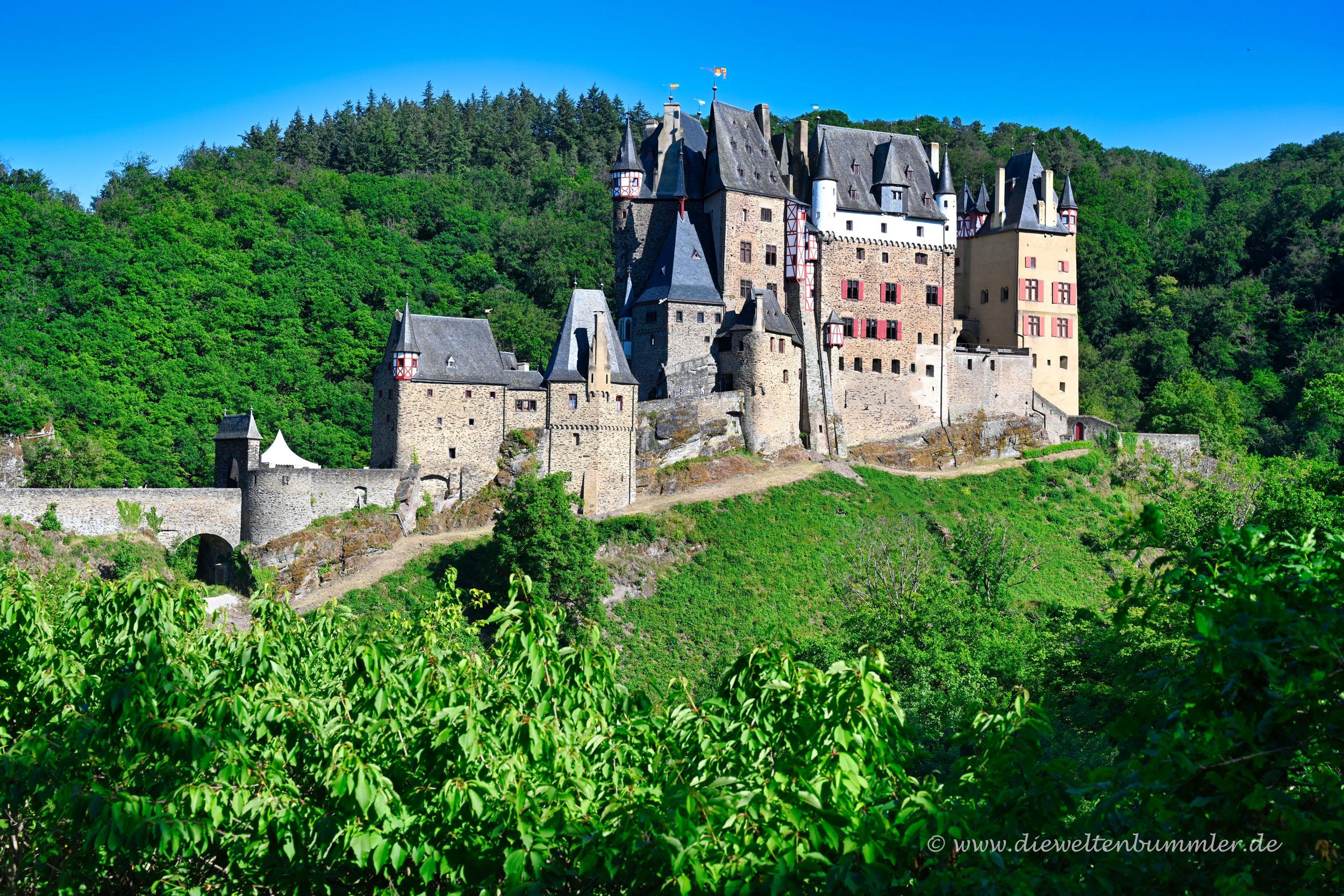 Die Burg Eltz im Abendlicht