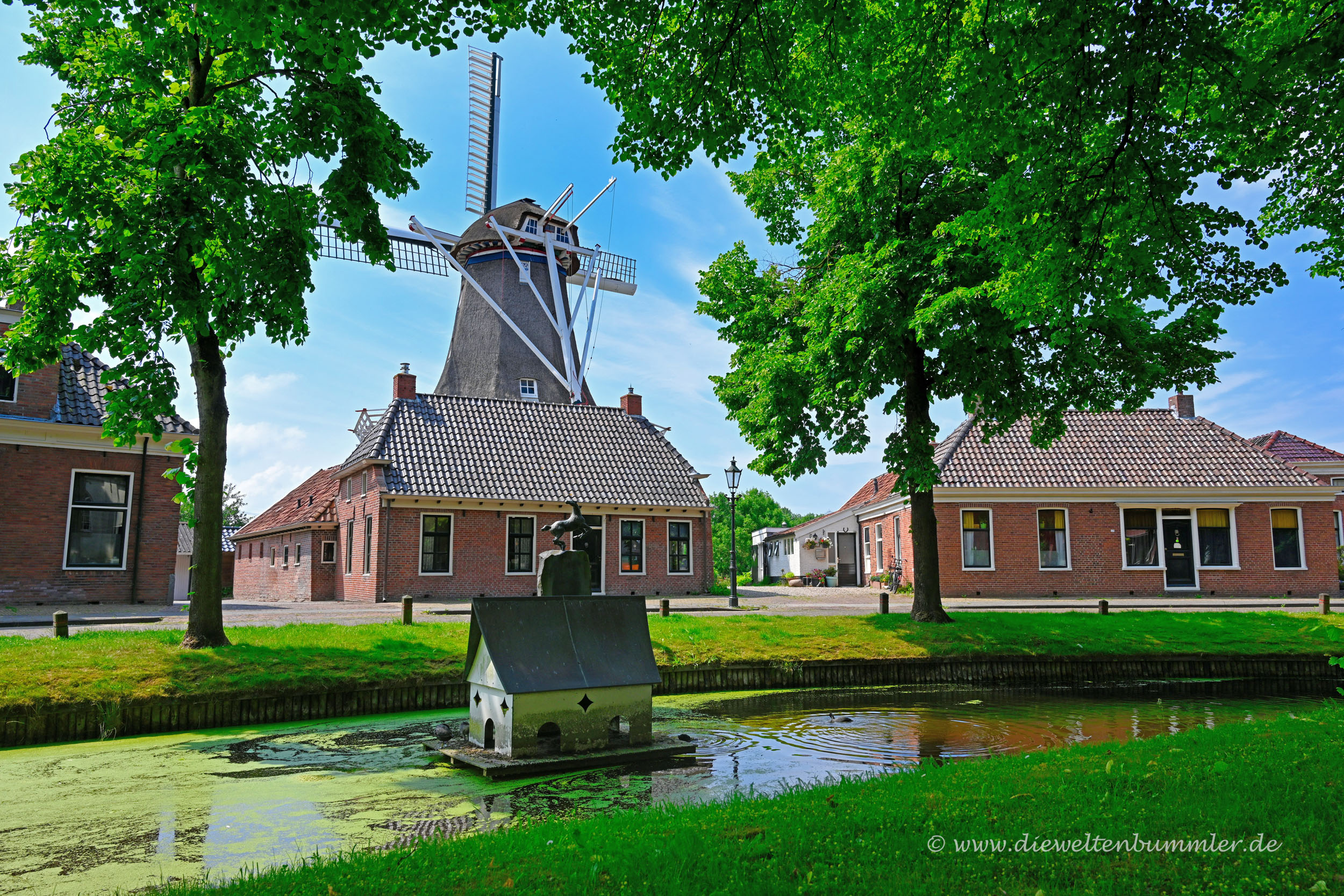 Spijk ist ein schönes kleines Dorf