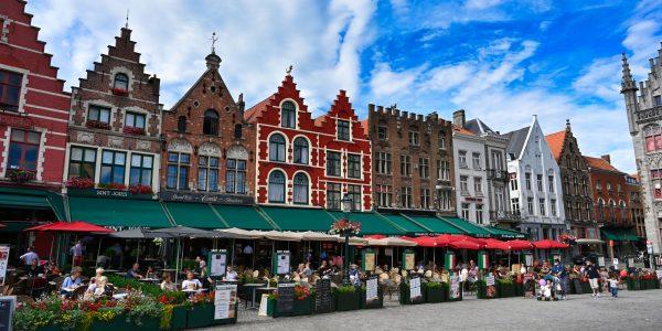 Am Marktplatz von Brügge
