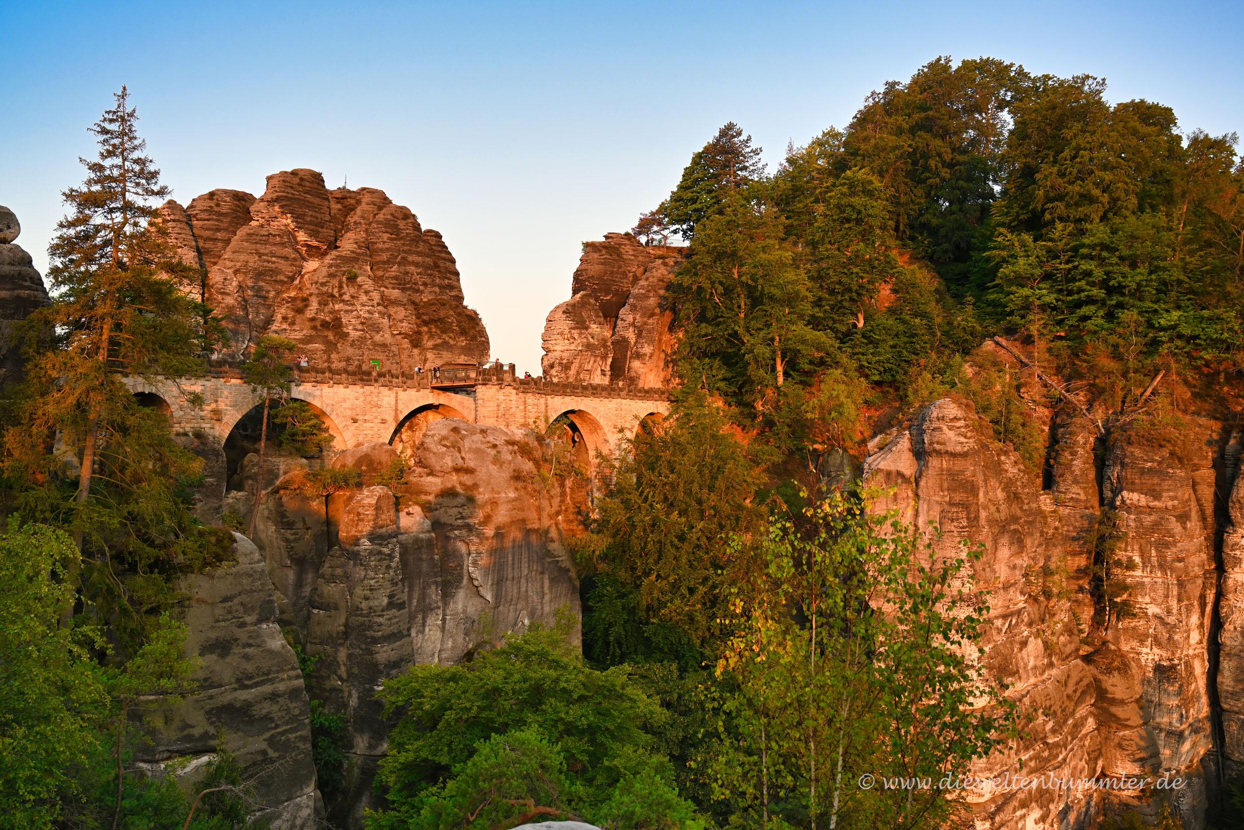 Basteibrücke im Sonnenlicht