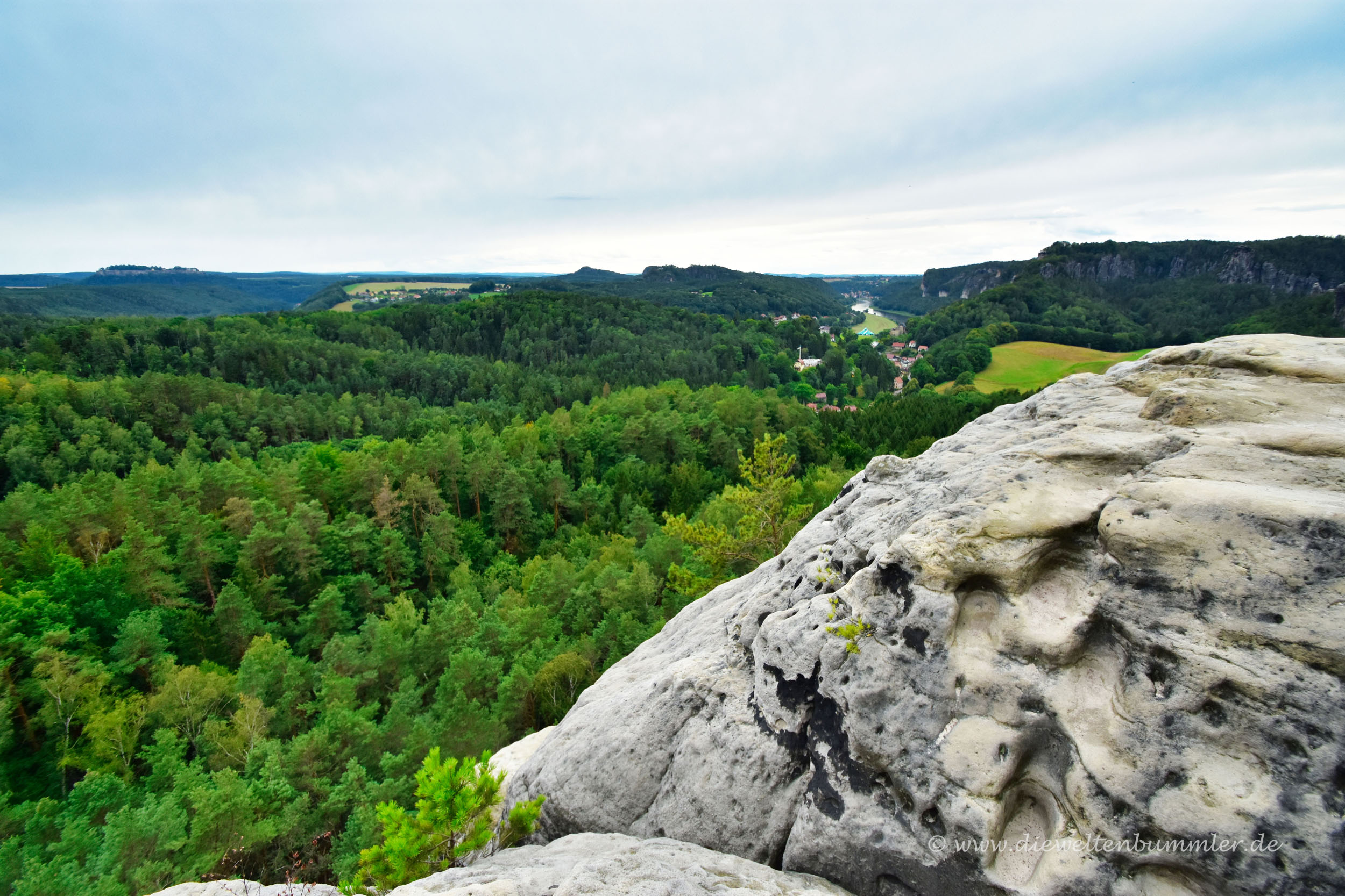 Blick vom Gamrigfelsen zur Elbe