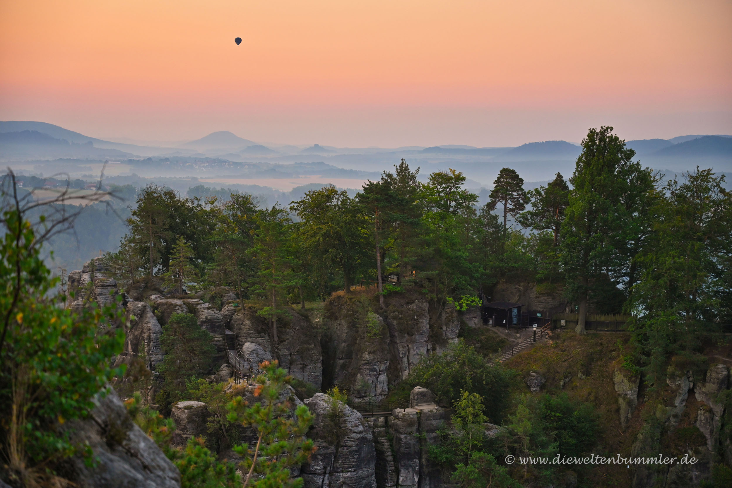 Fesselballon über der Bastei