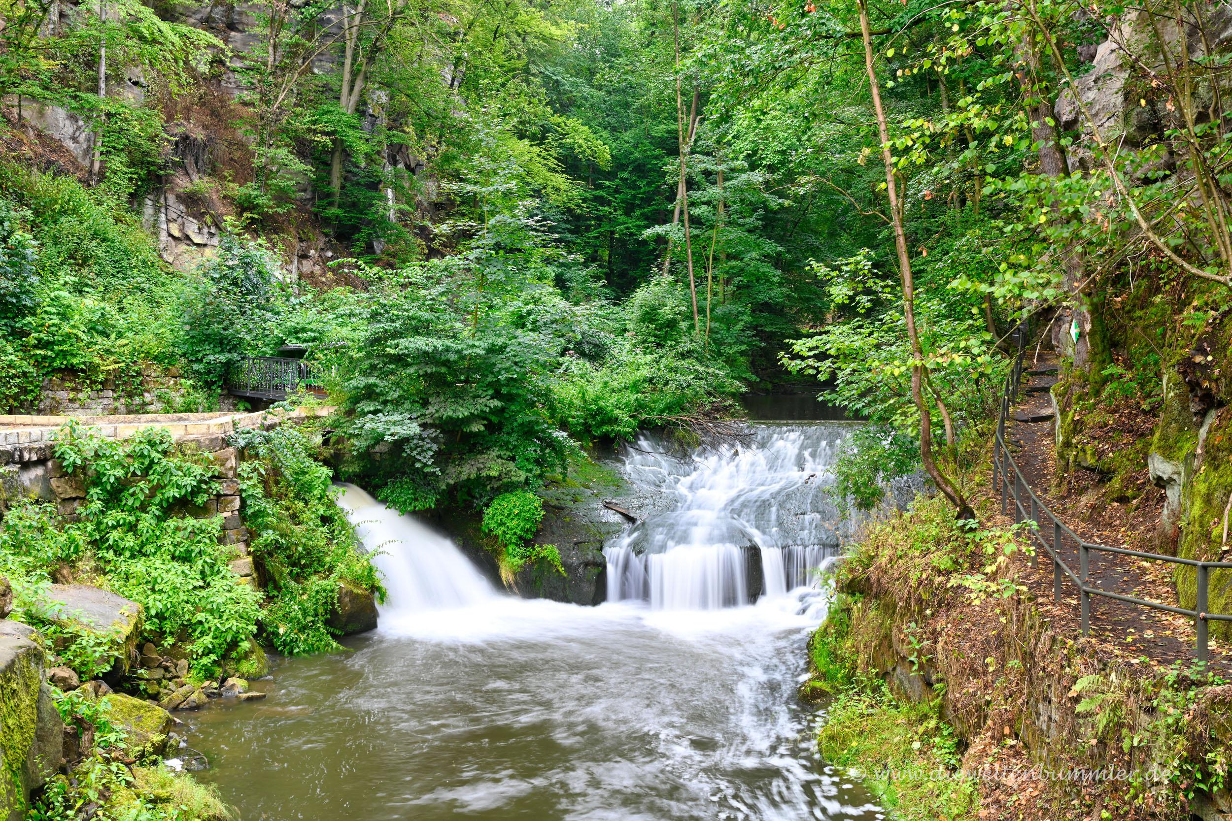 Malerischer Wasserfall am Malerweg