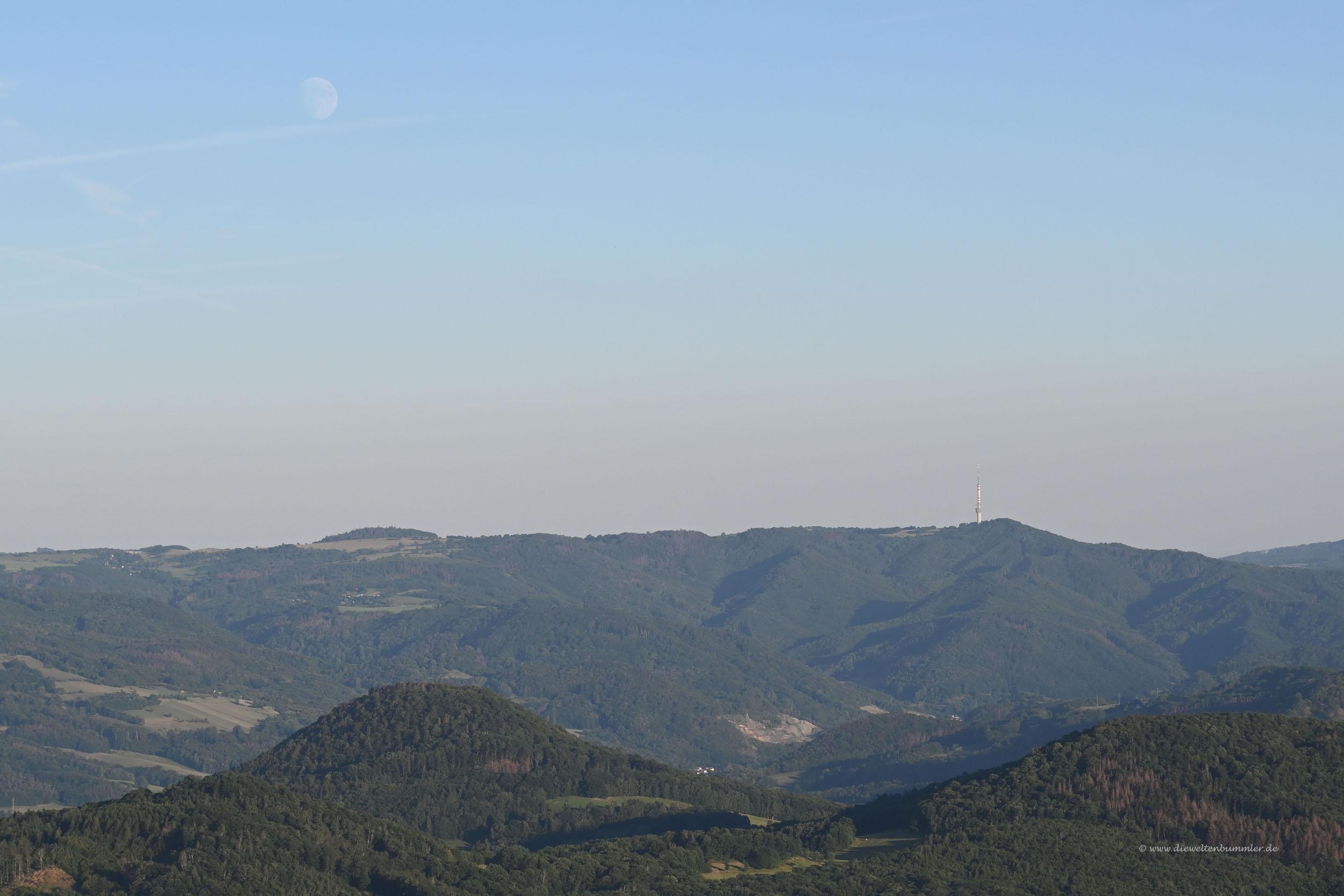 Mond über der Böhmischen Schweiz