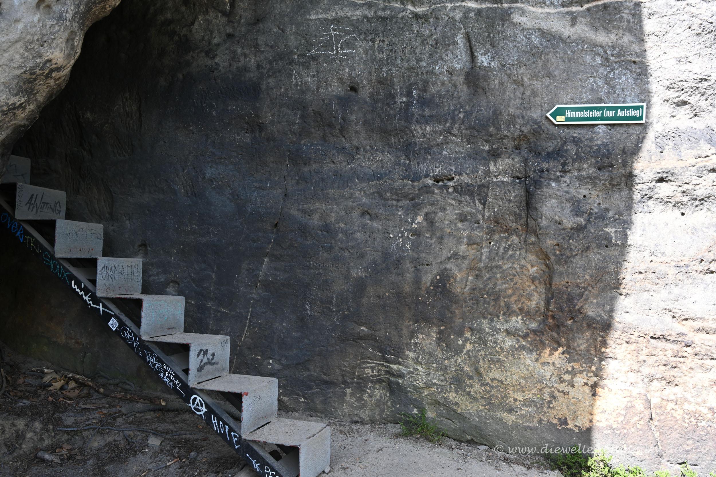 Schmale Stufen an der Himmelsleiter