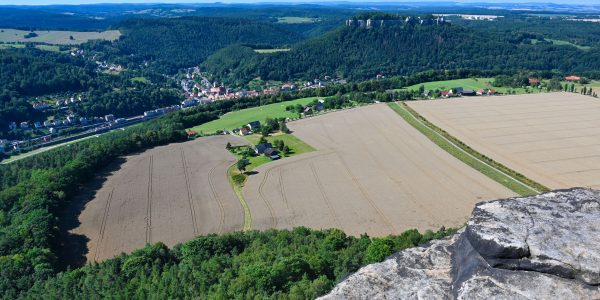Weit oberhalb von Königstein