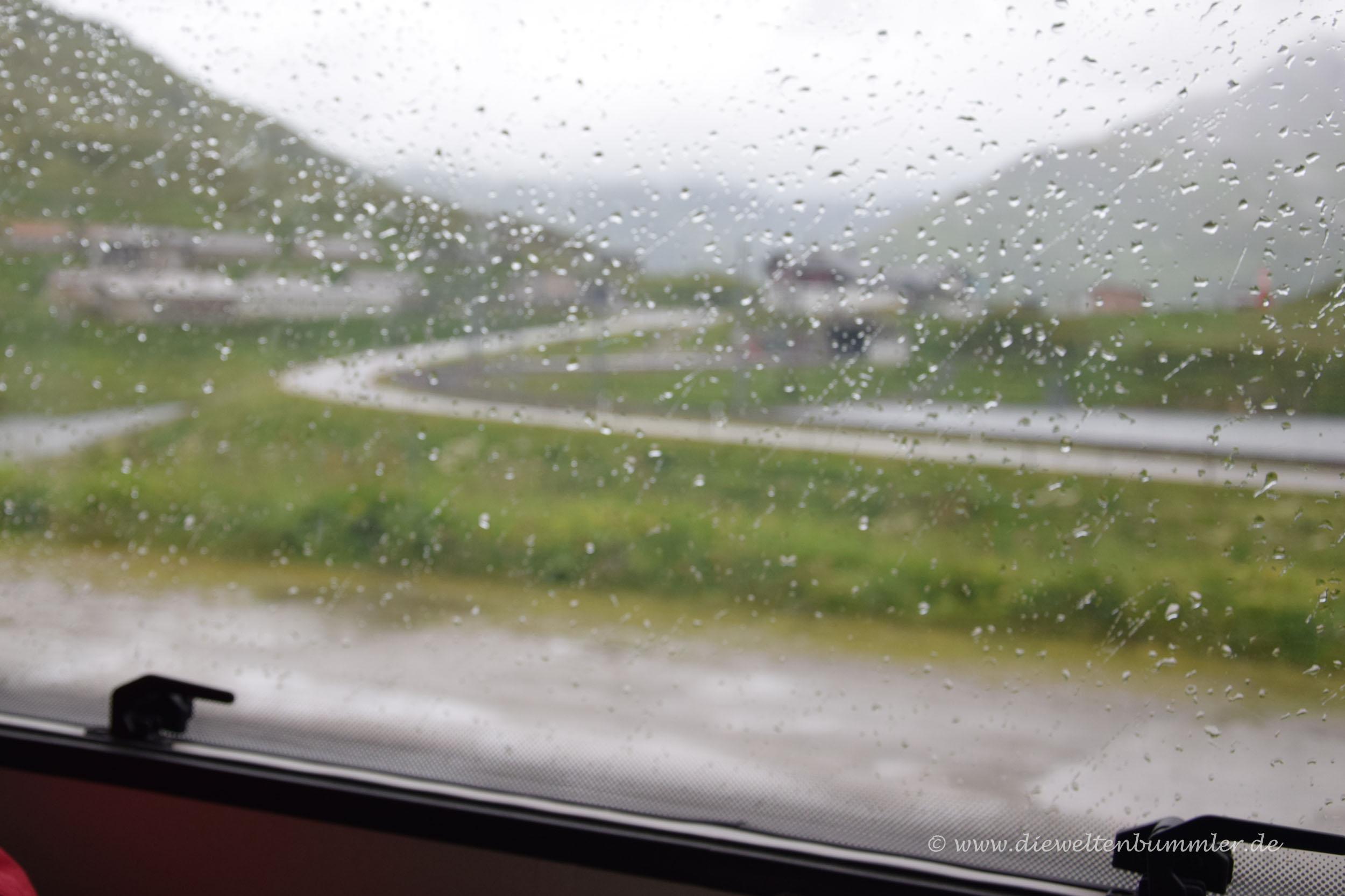 Regen auf dem Oberalppass